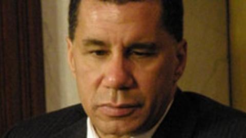 S2010 E13: Paterson Under Investigation