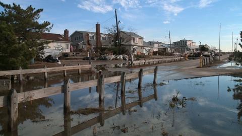 MetroFocus -- Full Episode: Sandy rebuilding, closed beaches, new MLK book