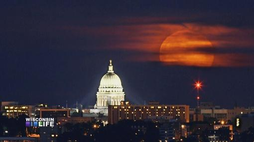 Wisconsin Life : Stars Align