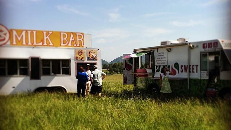A Fork in the Road with Chef Garrett: Knoxville Food Trucks