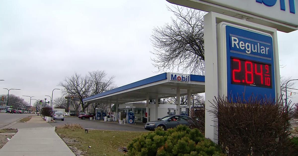 Gas Prices Chicago >> Chicago Gas Prices Fall Chicago Tonight Opb