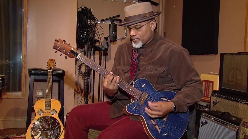 Meet the Rising Chicago Bluesman Who Drives a CTA Bus image