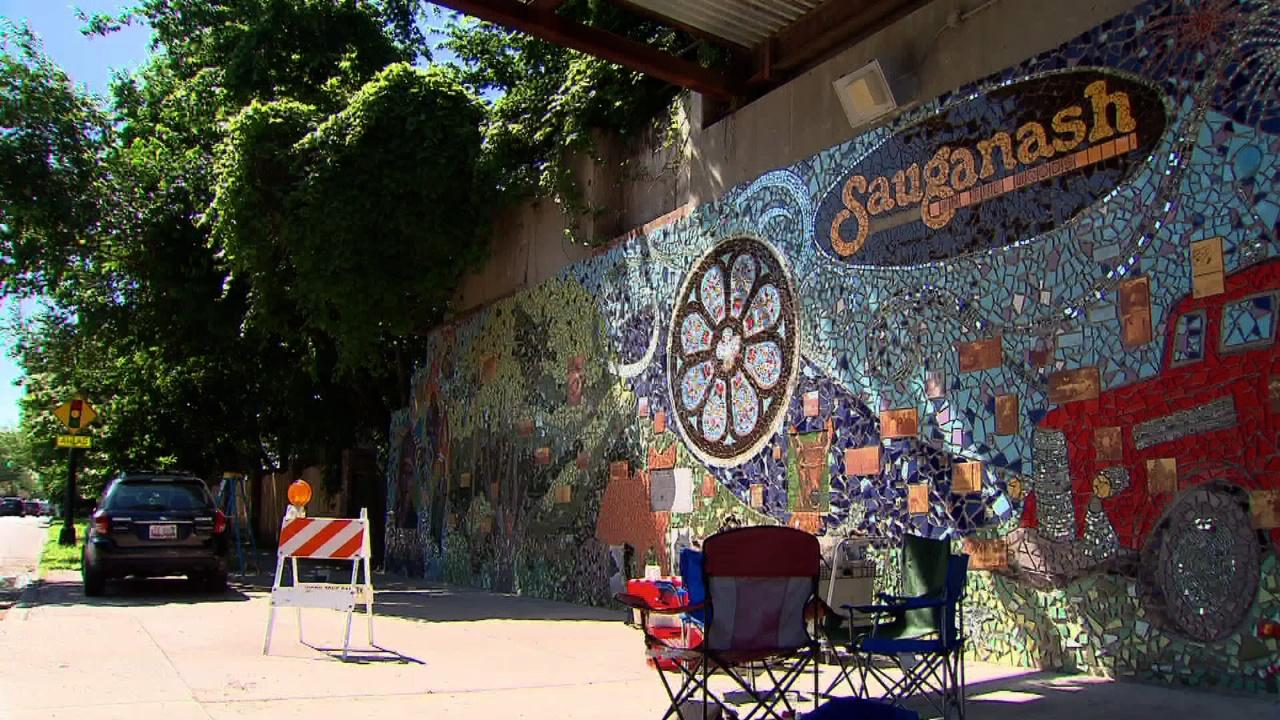 Video sauganash mural watch chicago tonight online for Mural in chicago illinois