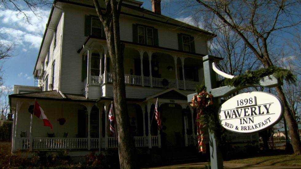 Hendersonville Inn Tour and Cookie Caper image