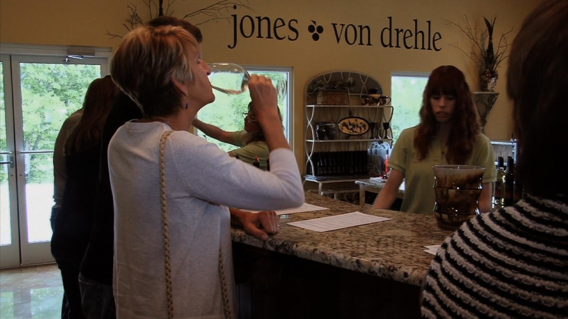 video jones von drehle vineyard winery watch nc. Black Bedroom Furniture Sets. Home Design Ideas