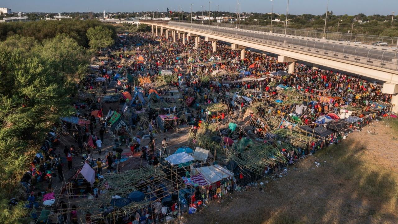 US authorities speed removal of Haitian migrants from border