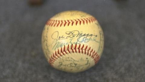 Antiques Roadshow -- S21 Ep23: Appraisal: 1951 Yankees & Monroe-signed Baseball
