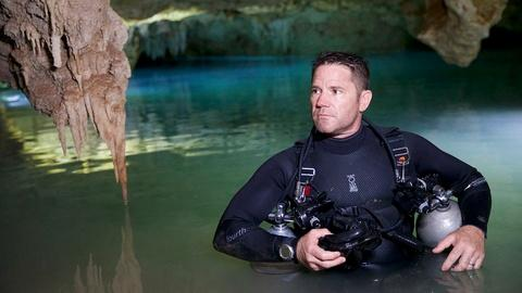 Expedition -- Robbie Prepares The Divers' Lifeline
