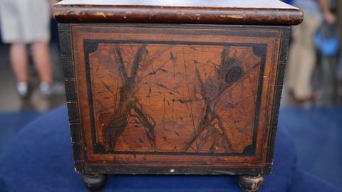 Antiques Roadshow -- S21 Ep18: Appraisal: 1837 New York Grain-painted Pine Lock B