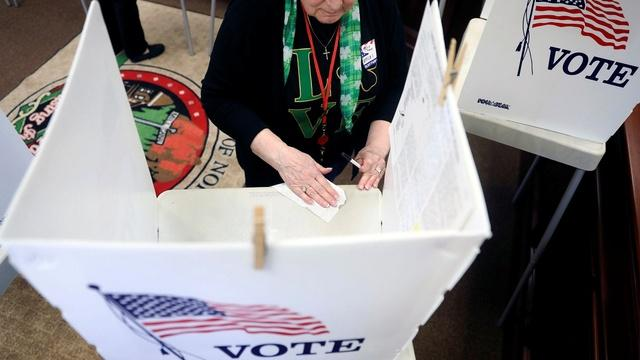 For Illinois voters, COVID-19 and recession are top of mind