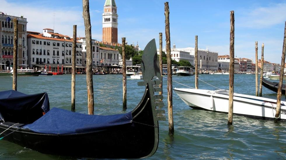 Climate change challenges sinking city of Venice image