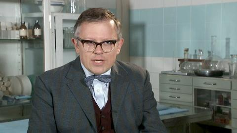 James Bradshaw on Dr. Max DeBryn