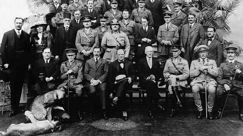 The Cairo Conference with Churchill, Bell and T.E. Lawrence