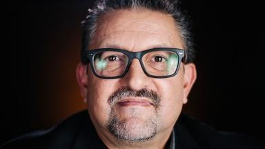 Lalo Alcaraz: Cartoonist with a Border Background