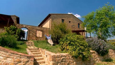 S4 E7: Tuscany's Dolce Vita