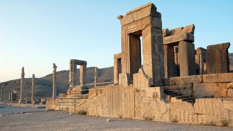 S5 E14: Iran's Historic Capitals