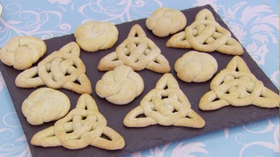 Learn How to Twist Jumble Biscuits image