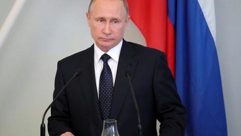 PBS NewsHour -- Putin retaliation for sanctions echoes Cold War tit-for-tat
