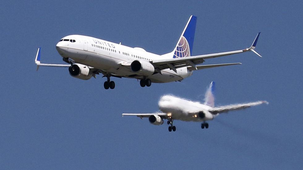 Why airline profits are flying high image