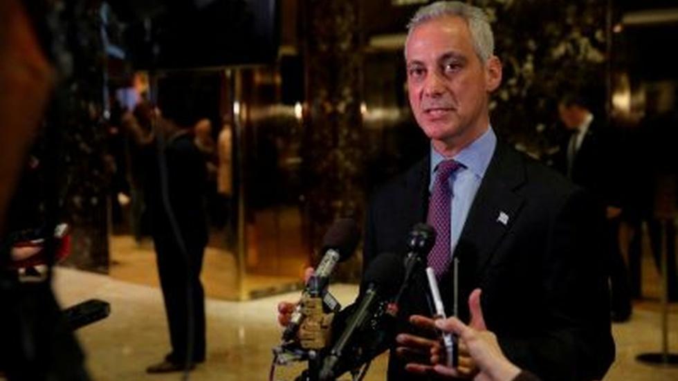 News Wrap: Chicago sues over 'sanctuary city' plan image