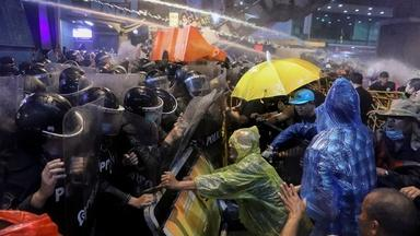 News Wrap: Thailand protests persist, despite emergency ban