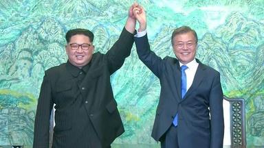 Korean leaders talk at demilitarized zone