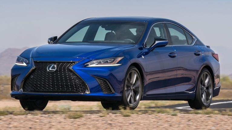 MotorWeek: 2019 Lexus ES & Comparison Test Midsize Trucks