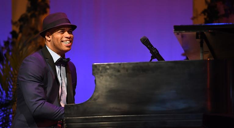 The Experience with Dedry Jones: Roberto Fonseca