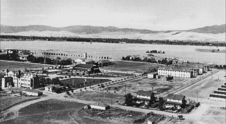 An Alien Place: An Alien Place: The Fort Missoula Detention Camp 1941-1944