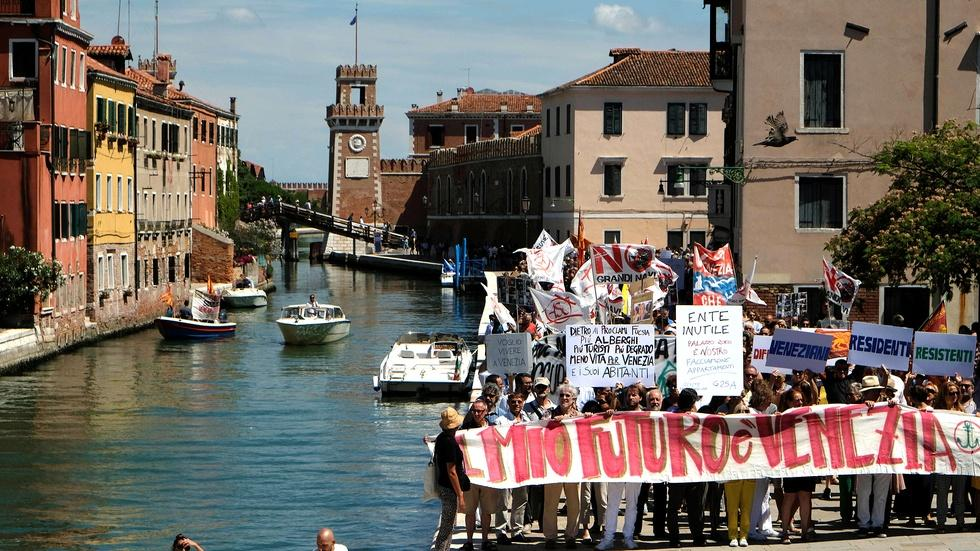Has Venice become unwelcoming to its inhabitants? image