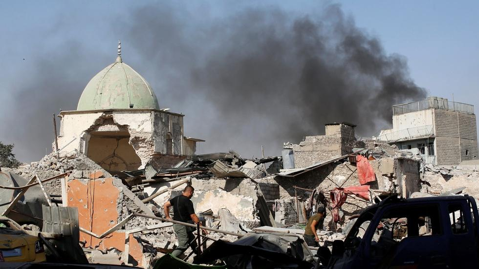 Iraqi forces reclaim mosque as ISIS territory shrinks image