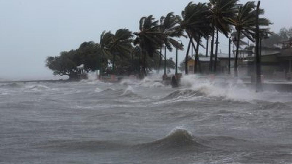 Monster Hurricane Irma rips through Caribbean toward Florida image