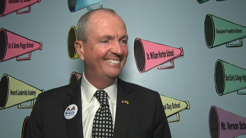 Murphy talks education and more at round table in Newark image
