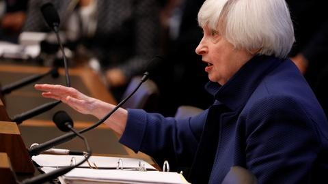 PBS NewsHour -- News Wrap: Yellen signals likely interest rate hike