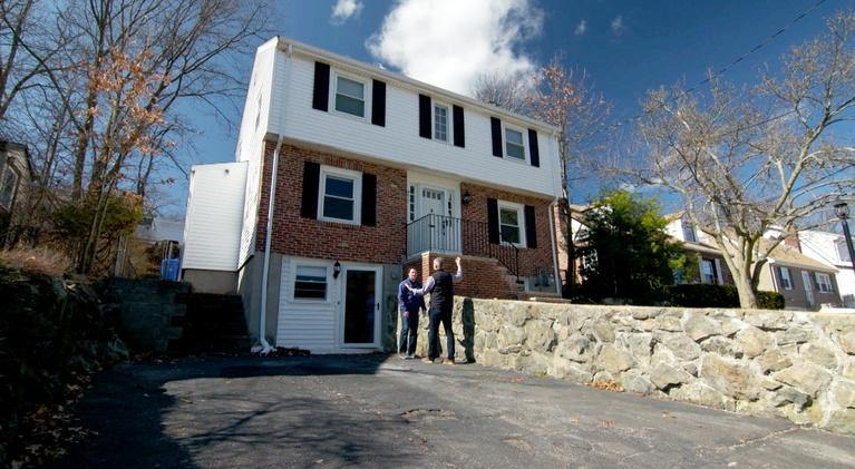 Ask This Old House: Garage Heat, DIY Security System | Ask TOH