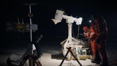 MOSAiC Scientists Measure Arctic Sea Ice Volume
