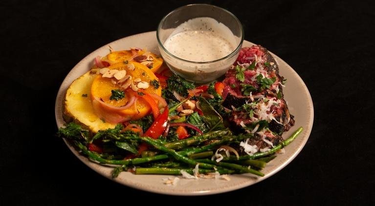 Fit to Eat: Pan Seared Sirloin & Asparagus