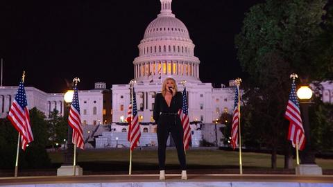 """Lauren Alaina Performs """"This Land Is Your Land"""""""