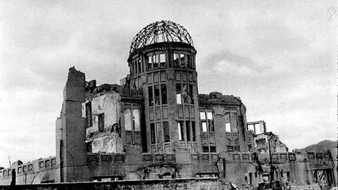 PBS NewsHour -- Japan's youth rush to document memories of Hiroshima horror