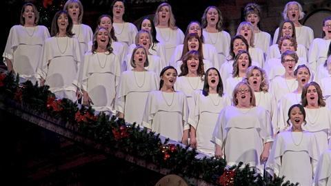 Christmas with the Mormon Tabernacle Choir -- Silent Night