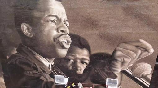 PBS NewsHour : Large mural pays tribute to the late John Lewis