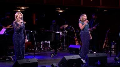 Renée Fleming & Vanessa Williams Perform Together