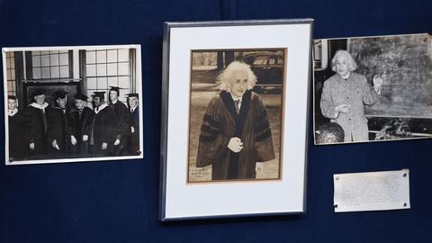 Antiques Roadshow -- S21 Ep18: Appraisal: 1946 Einstein-signed Photo & Prints