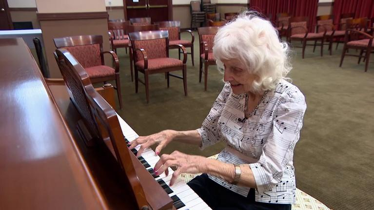 Chicago Tonight: At 102, This Longtime Pianist Has Still Got the Chops