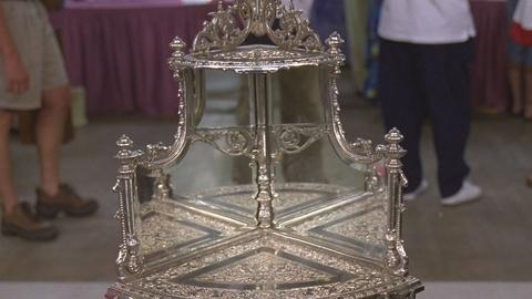 Antiques Roadshow -- S21 Ep19: Appraisal: English Silverplate Corner Stand, ca. 1