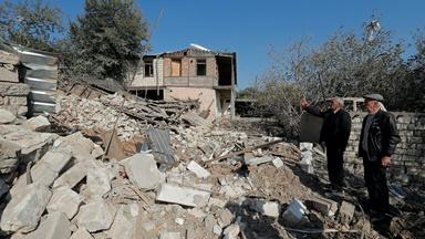 News Wrap: Fighting escalates between Armenia, Azerbaijan