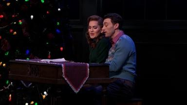 "Lora Lee Gayer & Bryce Pinkham Sing ""White Christmas"""