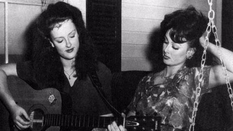 Country Music -- The Judds Ease Mother-Daughter Tensions With Music