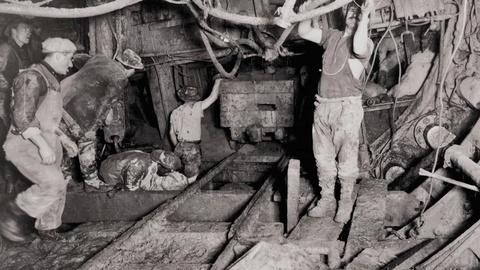 American Experience -- S26 Ep5: Confined Labor in the Tunnels