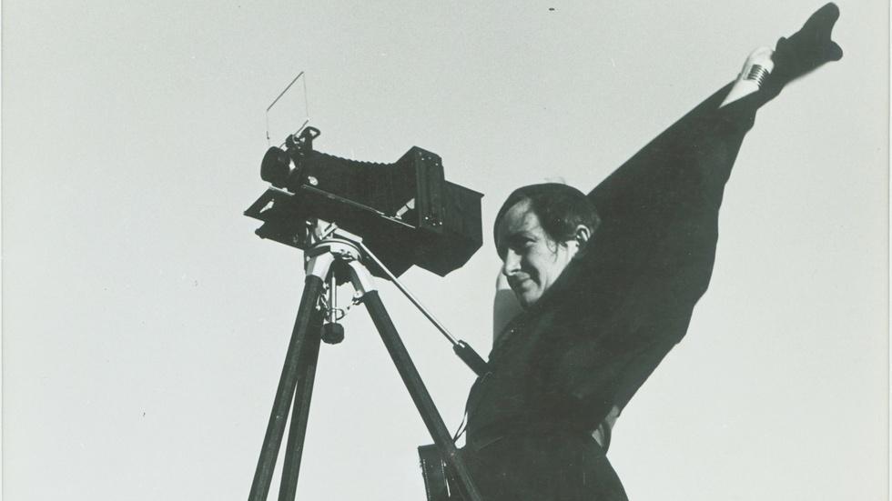 S28 Ep7: Dorothea Lange: Grab a Hunk of Lightning - Preview image